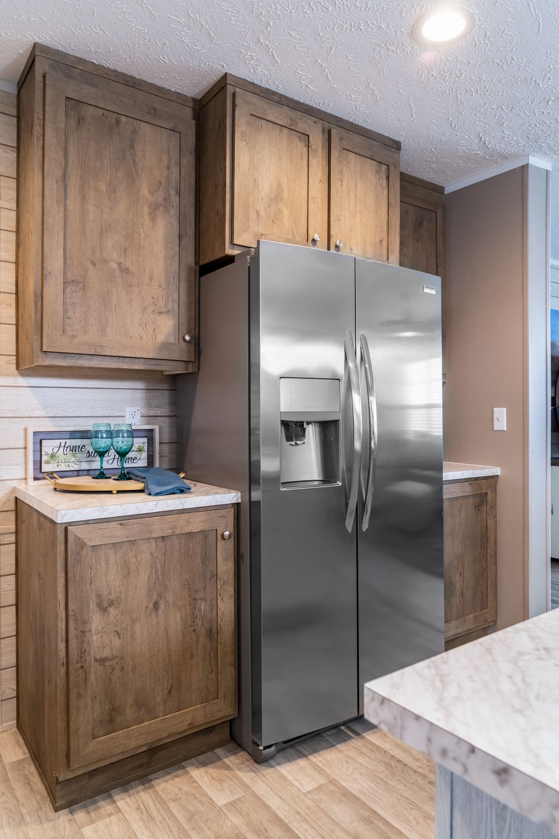The ULTRA PRO 72 Kitchen. This Manufactured Mobile Home features 4 bedrooms and 2 baths.